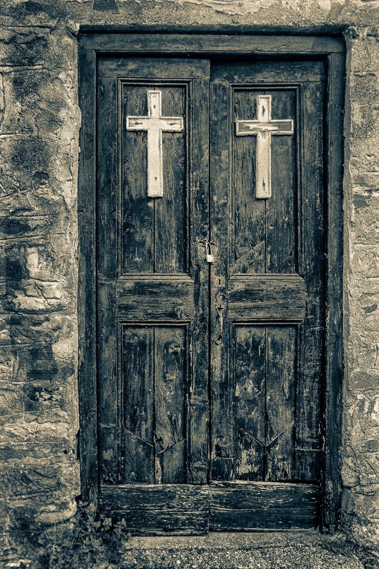 door-5319060_1920